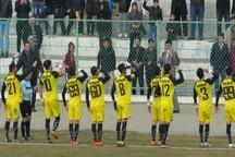 تیم فوتبال 90 ارومیه صدرنشین لیگ دسته یک را شکست داد
