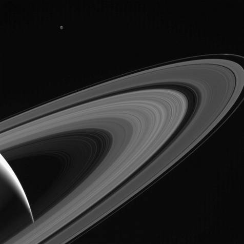 قمر تتیس زحل در عکس جدید ناسا