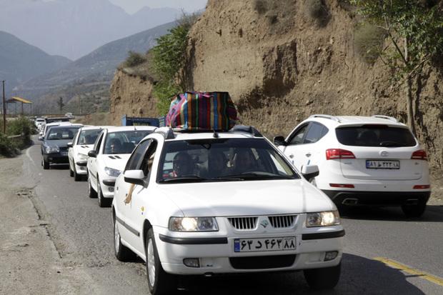 ترافیک جاده کندوان در2 مسیر رفت و برگشت نیمه سنگین است