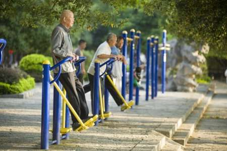 20 هزار و 123 سالمند بالای 60 سال در جیرفت وجود دارد