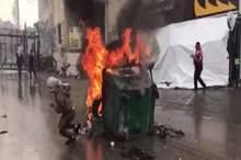 حمله معترضان به سفارت آمریکا در بیروت/ تظاهرکنندگان ورودی سفارتخانه را از جا کندند + فیلم