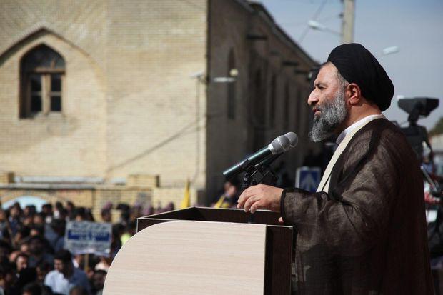 ۱۳ آبان نقطه عطفی در تاریخ جمهوری اسلامی است