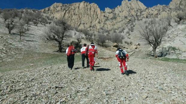 چوپان گرفتار در ارتفاعات کبیرکوه ملکشاهی نجات یافت