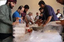 4200پرس غذای گرم توسط دانشگاه آزاد بین سیلزدگان توزیع شد