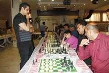 مسابقه شطرنج همزمان (سیمولتانه)  قهرمان ایران در دزفول برگزار شد