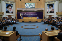رئیس جمهور روحانی: عده ای نمی توانند آستانه تحملشان را بالا ببرند/ اگر همدیگر را تحمل کنیم، آن وقت در جامعه به خوبی افکار و اندیشه های مختلف را تحمل می کنیم