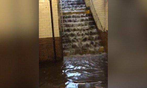 عکس/ سیل در متروی نیویورک