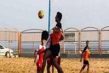 لیگ برتر فوتبال ساحلی  شهرداری بندرعباس میهمانی پرگلی در آبادان برپا کرد