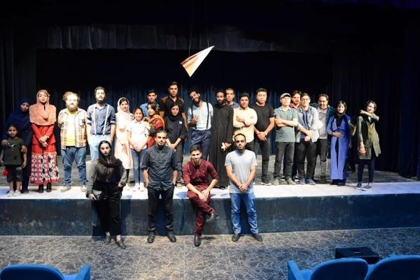 نمایش تئاتر کمدی «ارتفاعات» در آبادان