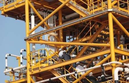 عملیات بارگیری جکت سکوی FYB برای نصب در منطقه نفتی فروزان آغاز شد