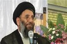 ملت ایران در تمامی صحنه های انقلاب با تمامی وجود حضور دارند